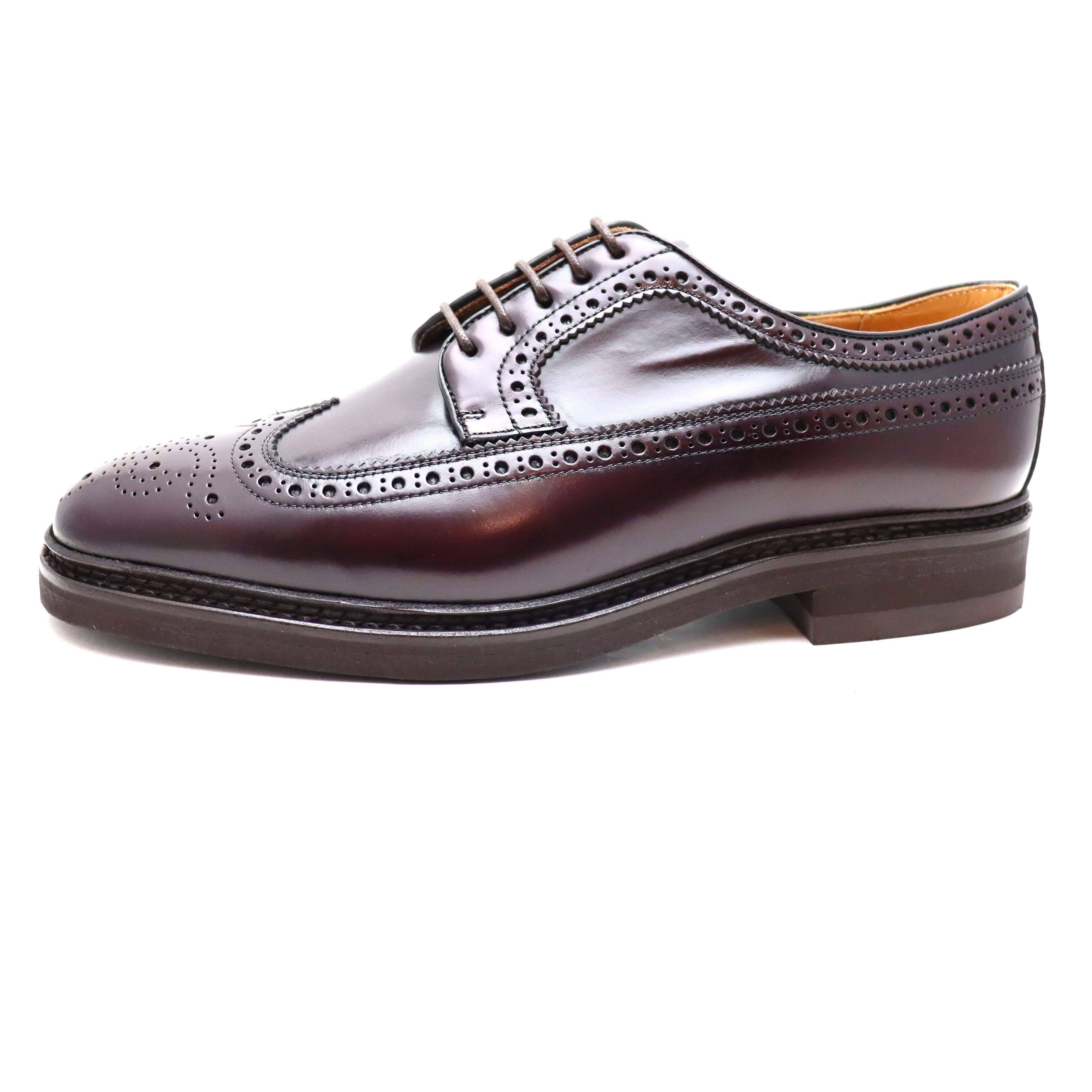 【Berwick ロングウィングチップ 5278の画像コメント2】ビブラムソールを採用することで、シルエットも少しばかり、ぽっちゃり目に。しかしカジュアル革靴としては、これぐらいの方が使いやすいぐらいです。