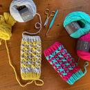送料込み 引き上げ交差模様のハンドウオーマー -印刷済み編み図のみ