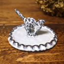 【受注制作】しっぽピンの猫のミニミニオブジェのアクセサリートレイ(ひらひら)