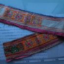 モン族のスカートのボーダー布 no.7  13 x90-100cm 麻布混 Hmong embroidery needlework はぎれ ラオス タイ