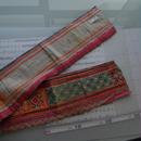 モン族のスカートのボーダー布 no.6  13 x90-100cm 麻布混 Hmong embroidery needlework はぎれ ラオス タイ