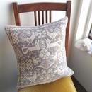 ヤノフ村の織物 クッションカバー 鳥とキツネと幾何学模様(39×38cm)#2186