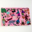 ラオス モン族の手刺繍ファスナーポーチ 農村の生活風景(ピンク)02