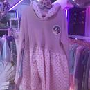 二次元マーク苺柄切り返しパーカードレス/魔法都市東京
