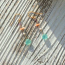 染カルセドニー(ライトブルー)と深海珊瑚のピアス
