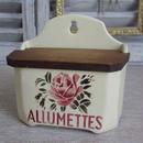 陶器薔薇モチーフのアリュメット缶