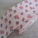 花柄プリントのピンクリボン