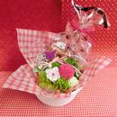 ピンポンマムのプリザーブドフラワーをメインに桜の花をあしらったアレンジと桜の焼き菓子2袋のギフトセット