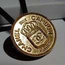 ヴィンテージ CHANEL シャネル コインデザイン ゴールドボタン 22mm ヘアゴムのおまけ付(c-140)