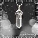 水晶のペンダントネックレス