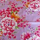 花布生地・艶やか牡丹・藤色(150巾)