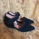 DY1807 SUEDE BLACK