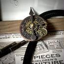 NEW/アンティークブロンズ基調の文字盤とミニ懐中時計のループタイ/スチームパンク