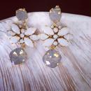 White Gray Swarovski Flower Pierced earring