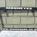 ムーンアイズ ライセンス フレーム www.mooneyes.co.jp ホワイト MG060BKMOW