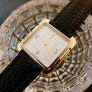 YSL イヴサンローラン スクエア デイト腕時計