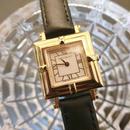 YSLイヴサンローラン レアスクエア レザーベルト腕時計
