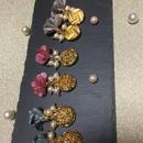インポートとボタンゆらゆらお花のイヤリング&ピアス