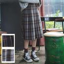 ギンガムチェック柄がかわいいひざ下丈プリーツスカート