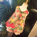 花柄ブラウス&ショートパンツ