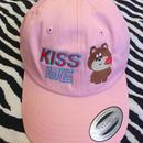 'KISS ME' CAP / PINK