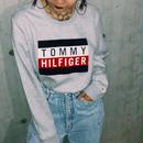 【TOMMY HILFIGER】TOMMY FLAG LOGO SWEAT