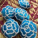 ハンドメイド刺繍 お花のブローチ BR-Flower004(ブルー地に白花)