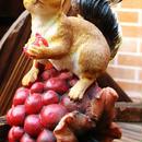 木の実を食べる かわいい リス 置物 インテリア