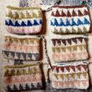 草木染めヘンプコットンの手編み三角モチーフポーチ