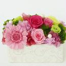 プリザーブドローズのアレンジメント /白陶器【pink&gleen】