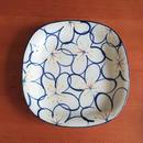 九谷焼、染付花文七寸角皿、赤地径(金沢)