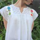 カラフルお花刺繍ガーゼトップス