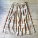 ライトブラウンのウールスカート