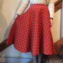1950's レッド エムブレム柄キルティングサーキュラースカート