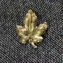 真鍮ブラス製 メープル葉型ピンズブローチ ジャケットやハットの飾りとして