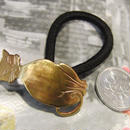 真鍮  ネコ ループコンチョ ヘアゴム付き