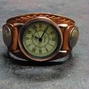 レトロ調時計使用 茶レザー コインコンチョ本革ブレスレット型腕時計  のコピー