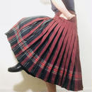 Vintage Pleats Skirt Red/ Black