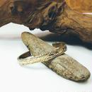 真鍮 バングル リーフ柄 サイドカット入 側面彫 メンズサイズ