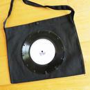 本物のレコードを使ったサコッシュ「bagu」B&W