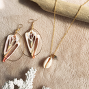 Shell & crystallized necklace