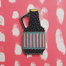 ピンズ_黒くてカラフルな花瓶