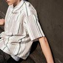 レイヤードとしてもおしゃれなマルチストライプベーシックシャツ