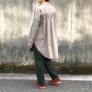 UNIVERSAL TISSU /東炊きスタンドカラーラウンドシャツ /モカ