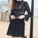 【2色】Flower Lace Blouse Dress In Mono Color  (モノトーンフラワーレース切り替えワンピ)