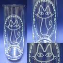 猫柄 縦長グラス パッチリお目目の猫グラス ※アルファベット1文字彫刻無料 (寄付代込価格)