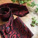 Oguri Original ネクタイ&ポケットチーフ 唐草 赤×ブラック