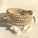 アフリカンオパールと白珊瑚、リバーストーンとガラスビーズの4連ブレスレット(ナチュラル)