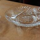昭和レトロ・プレスガラスの小皿(race)