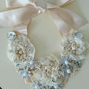 Rribbon necklace-white flowers- K